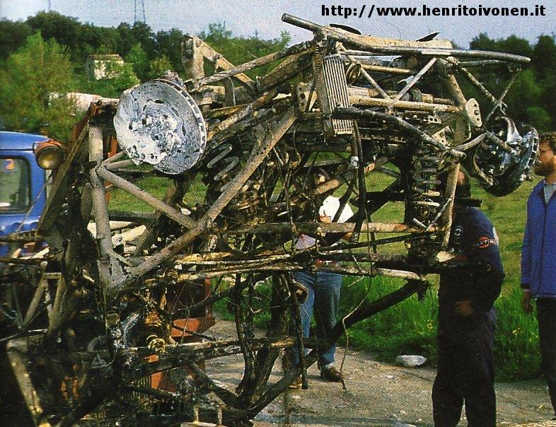 Quello che   232  rimasto della Delta Toivonen e Cresto S4 dopo il rogo    Lancia Delta S4 Toivonen Crash